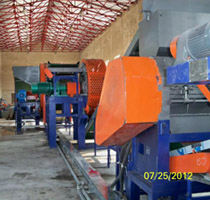 Room temperature preparation of waste tires fine rubber powder production line